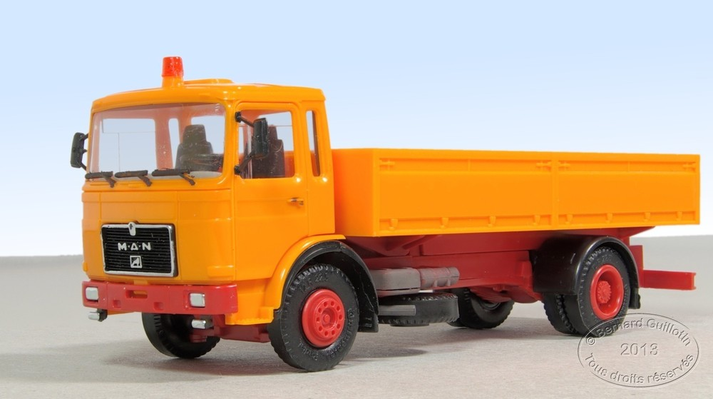 MAN F8 tipper Herpa