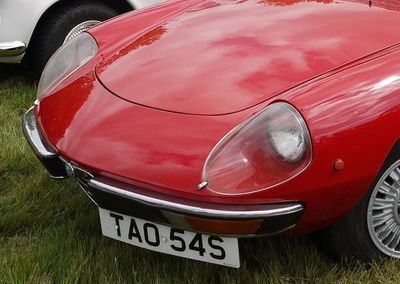 Front of Alfa Romeo spider