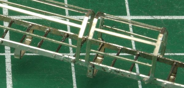 Detail of the mounted cage