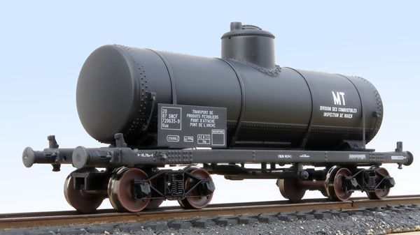 TP tank wagon equipped with REE bogies