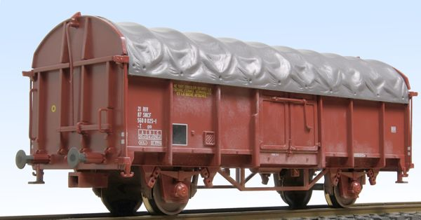 Wagon with tarpaulin Roco