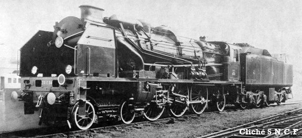 Steam locomotive 231-E-26 and ...