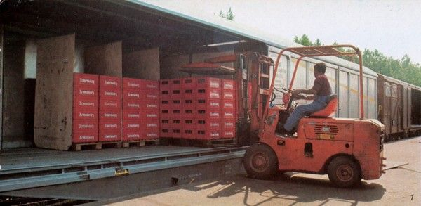 Habiss wagon being loaded